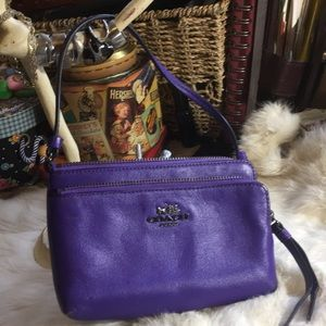 COACH- Wristlet & Document Holther💜❤️